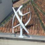 Une éolienne à axe verticale adaptée pour un usage en ville